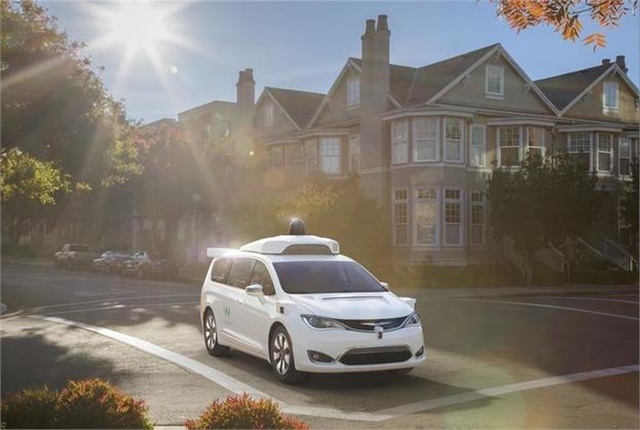 Photo of Waymo self-driving Chrysler Pacifica Hybrid minivan courtesy of FCA.