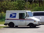 Photo of exising USPS vehicle via Wikimedia.