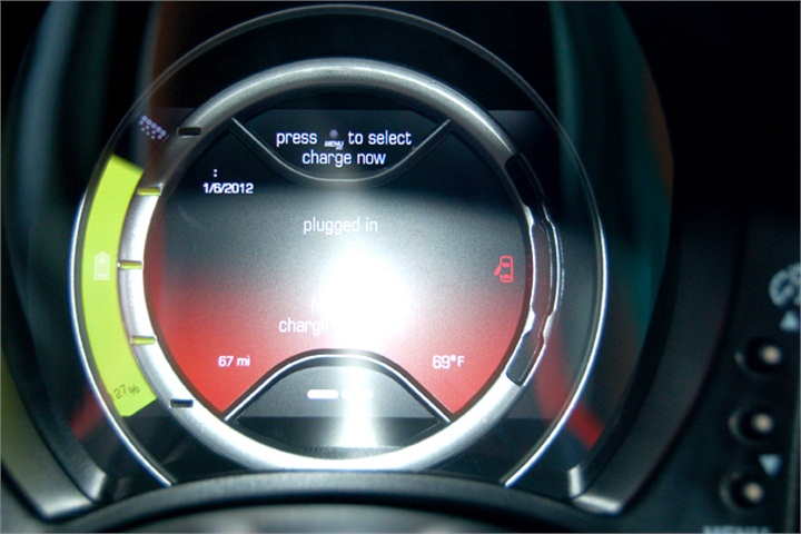 the fiat 500e s instrument panel shows the vehicle s state of charge 2012 l a auto show. Black Bedroom Furniture Sets. Home Design Ideas