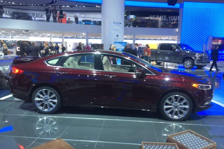 2017 ford fusion platinum mid size sedan 2016 detroit. Black Bedroom Furniture Sets. Home Design Ideas