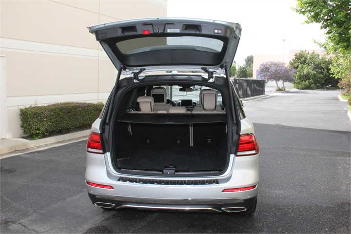 Maximum cargo capacity is 80 3 cubic feet mercedes benz for 2016 mercedes benz gle300d 4matic