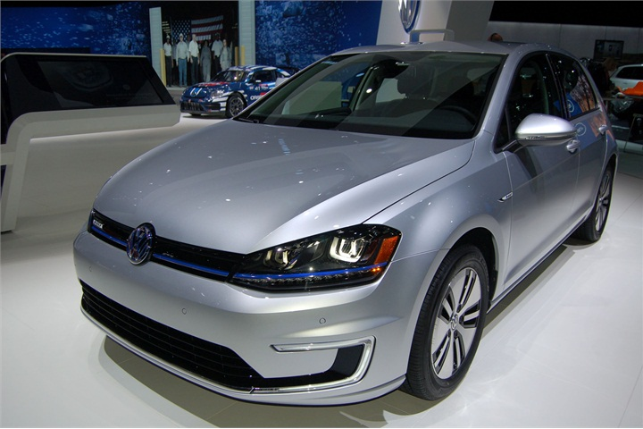 2016 volkswagen e golf 2015 l a auto show green vehicles photo gallery automotive fleet. Black Bedroom Furniture Sets. Home Design Ideas