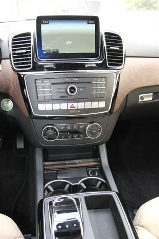 Here s a closer look at the center stack mercedes benz for 2016 mercedes benz gle300d 4matic