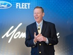 Ford s CEO Alan Mulally speaks to attendees.