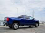 The bi-fuel CNG Silverado 2500HD uses a 6.0L Vortec V-8 with