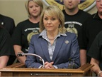 Oklahoma Governor Signs Driver Texting Ban